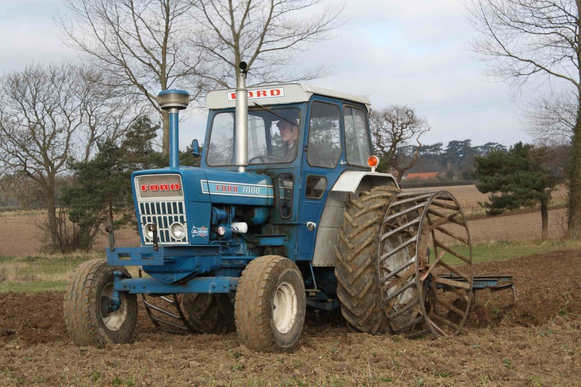 1975 Ford 4000 Tractor : Ford tractor to models